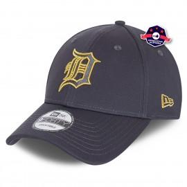 9Forty - Detroit Tigers - Metallic Logo
